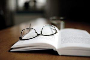 行政書士の学習を独学で行うメリット・デメリット