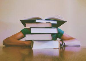 独学で行政書士を目指す注意点