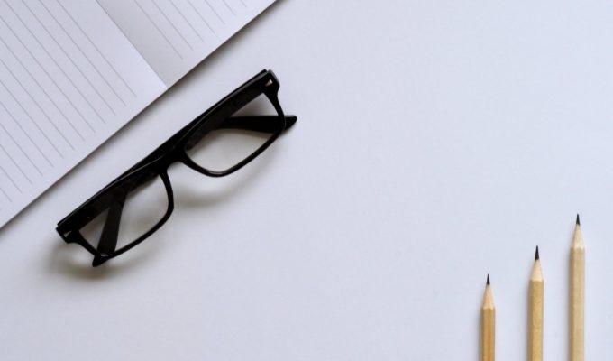 独学でも行政書士は目指せる?メリット・デメリットや注意点を解説